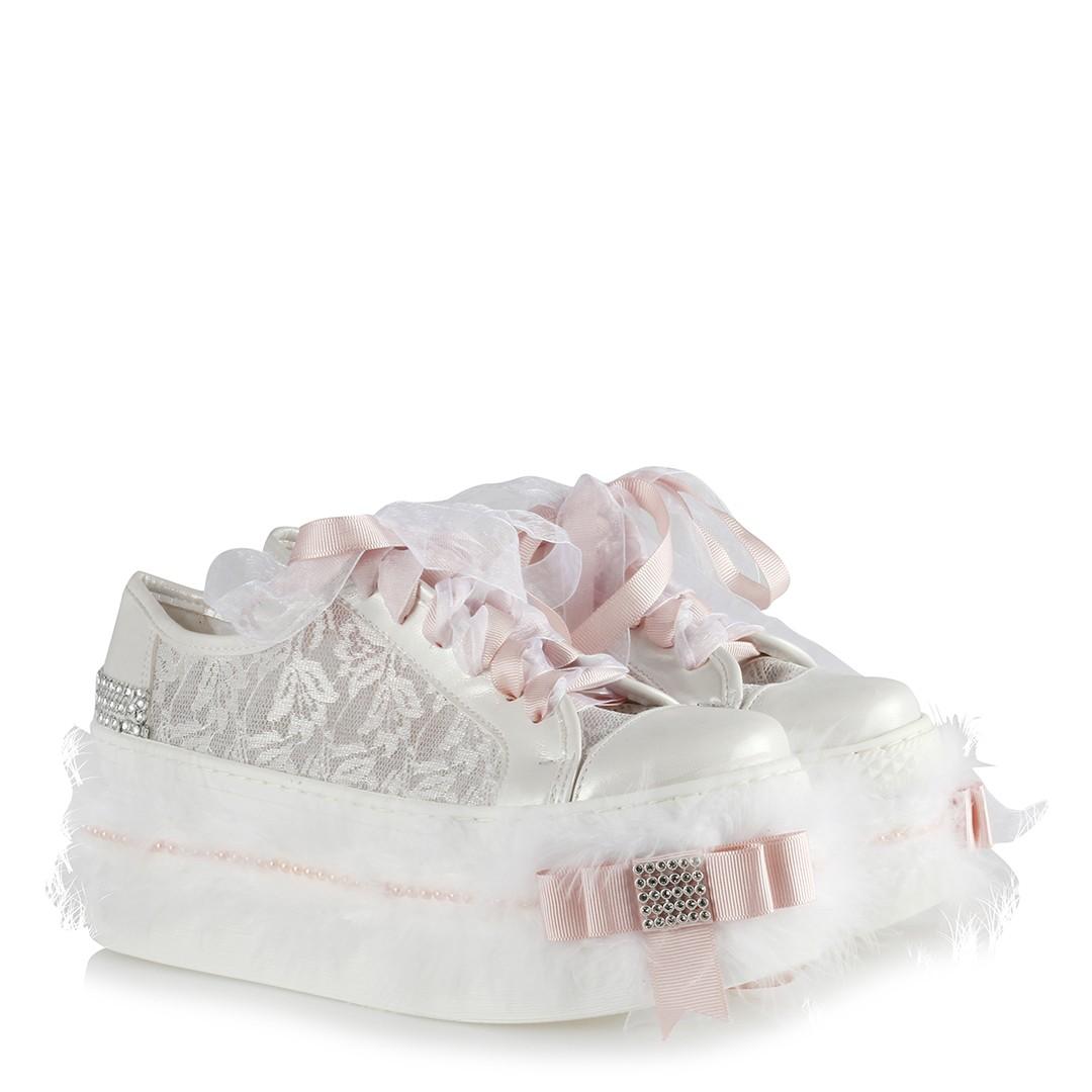 حذاء رياضة زفاف أبيض بريش وفصوص ونعل مرتفع نسائي